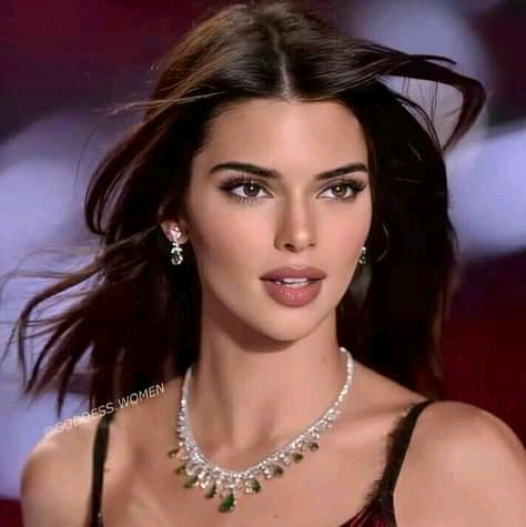 Kendall Jenner's overlined black lips had us glued to the screen