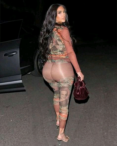 Kim Kardashian has momager Kris Jenner saved in her phone under full name