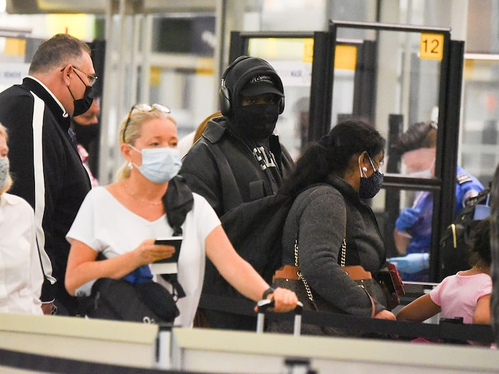 KANYE WEST NO VIP TREATMENT AT NYC AIRPORT ... Leaves Before Kim Hosts 'SNL'